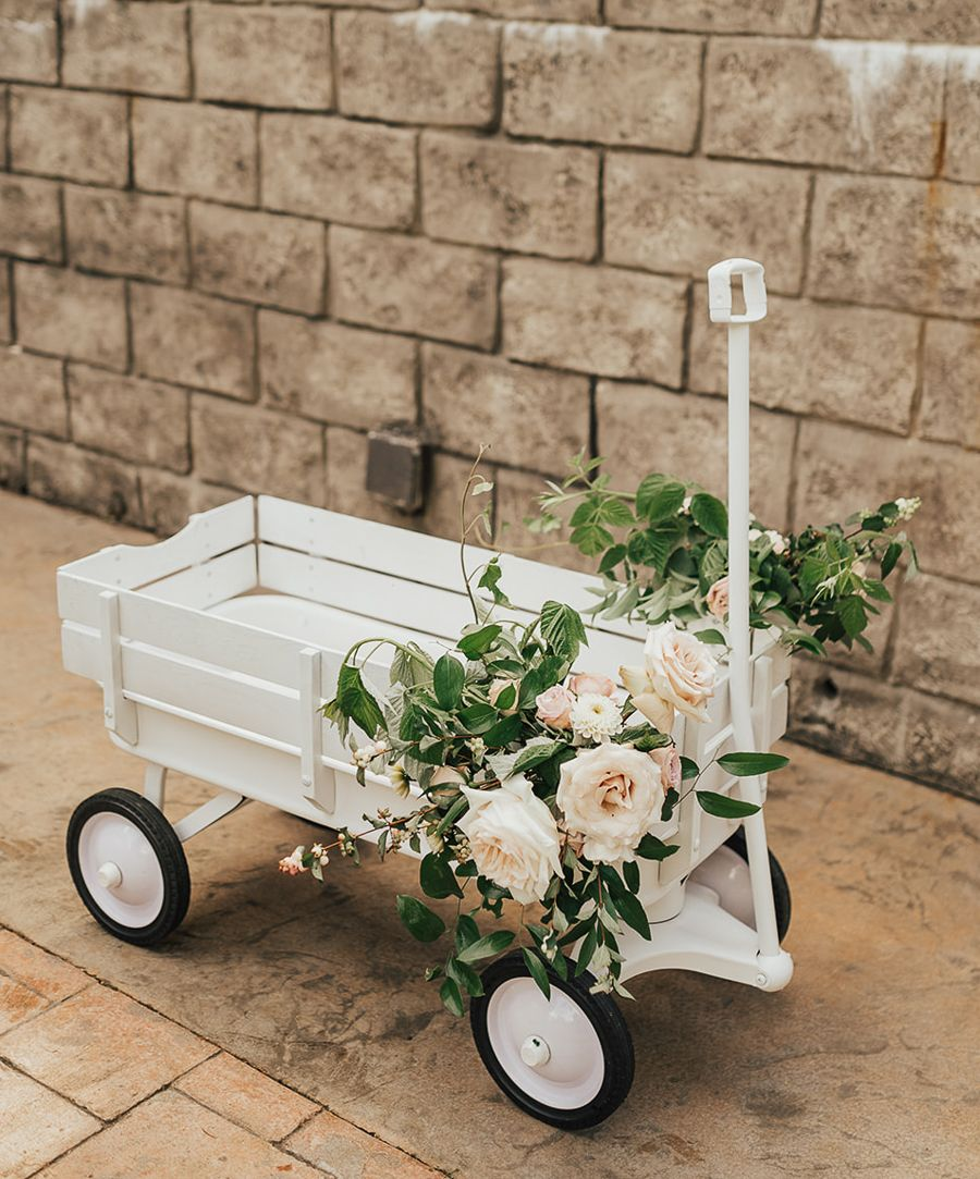 Diy All White Wagon In 5 Easy Steps In 2020 Wagon For Wedding Diy Wedding Wagon Pretty Wedding