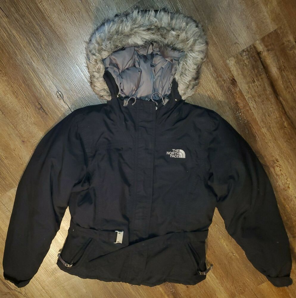 The North Face Jacket Puffer Coat Women S Size Small Black Fur Lined Hood Hyven Thenorthface Quiltedpuffer Ou In 2020 North Face Jacket Coats For Women Puffer Coat [ 1000 x 994 Pixel ]