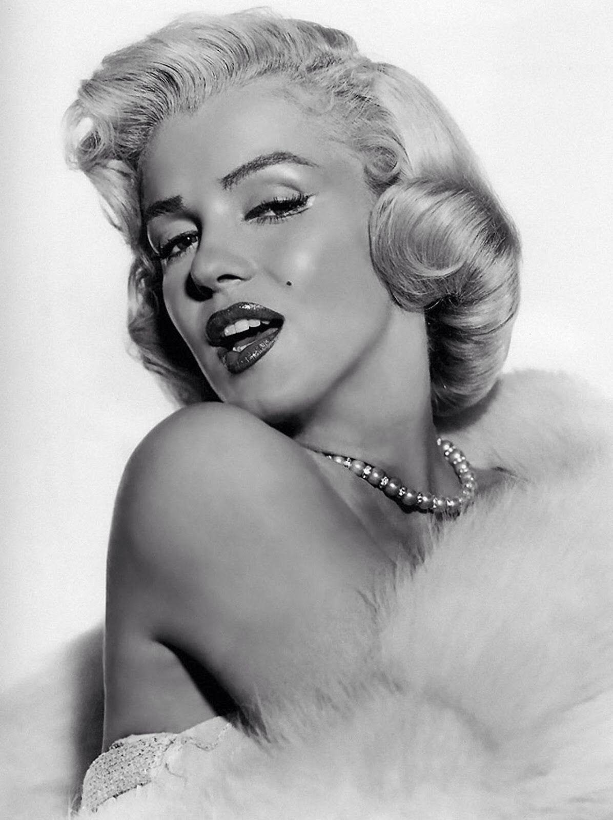 Marilyn Monroe Looks Marilyn