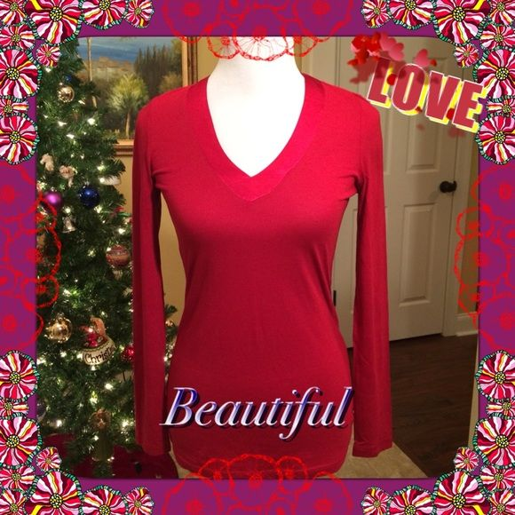 ❤️ Beautiful red top from Gap  Beautiful silky red top with long sleeves, never been worn, perfect condition. No trades or PayPal GAP Tops