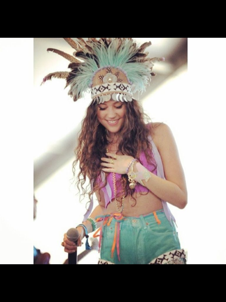Festival look done to perfection by eliza doolittle want da hat