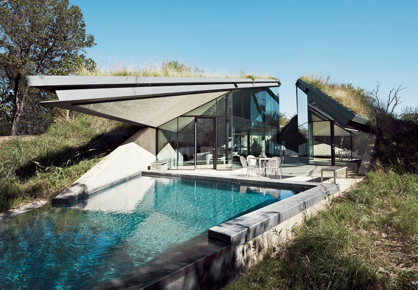 Discussion on this topic: Find Eco-Friendly Luxury At The Edgeland House, find-eco-friendly-luxury-at-the-edgeland-house/