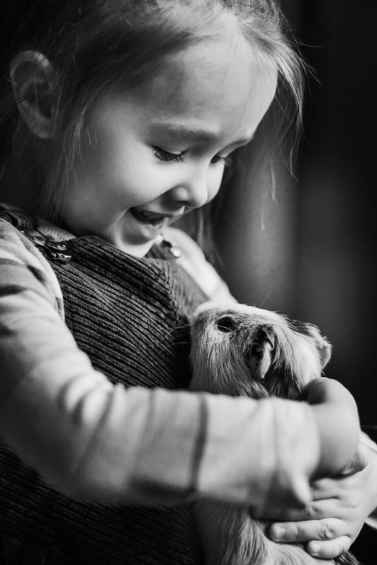 Repin - how cute is that! I really love family photos of children with their pets, both grow up so fast and the pets we sometimes loose them so quickly. Preciousness.