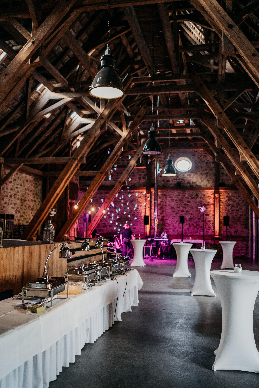 Traumhafte Hochzeit Im Eichenstolz Ladenburg Ladenburg Hochzeitssaison Hochzeit