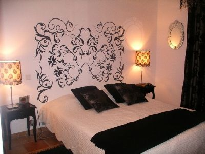 une chambre baroque et raffin e vous avez opt pour. Black Bedroom Furniture Sets. Home Design Ideas