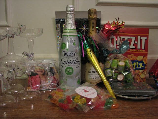 New Year's Eve Kit | Newyear, New years eve, Family gift ...