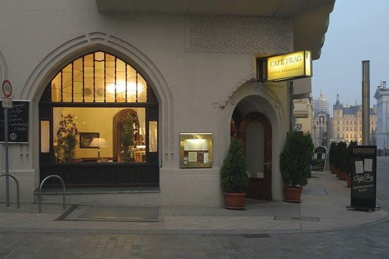 Cafe Prag Schwerin Mecklenburg Vorpommern Germany Schwerin Cafe Mecklenburg Vorpommern