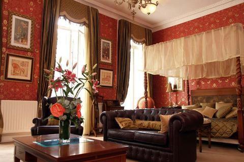 opulence central london hotel interior decorating london hotels rh pinterest ca