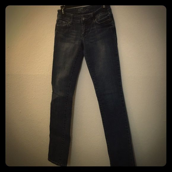 Delia's size 3/4R thick jeans Stretchy Jean material very nice dark blue wash Jeans Skinny