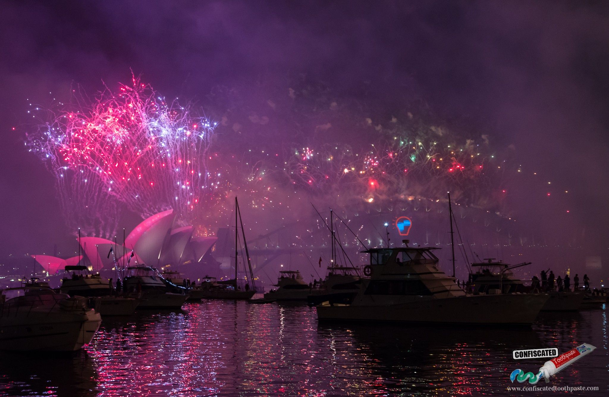 Sydney Harbour New Year's Eve Fireworks Photos click for