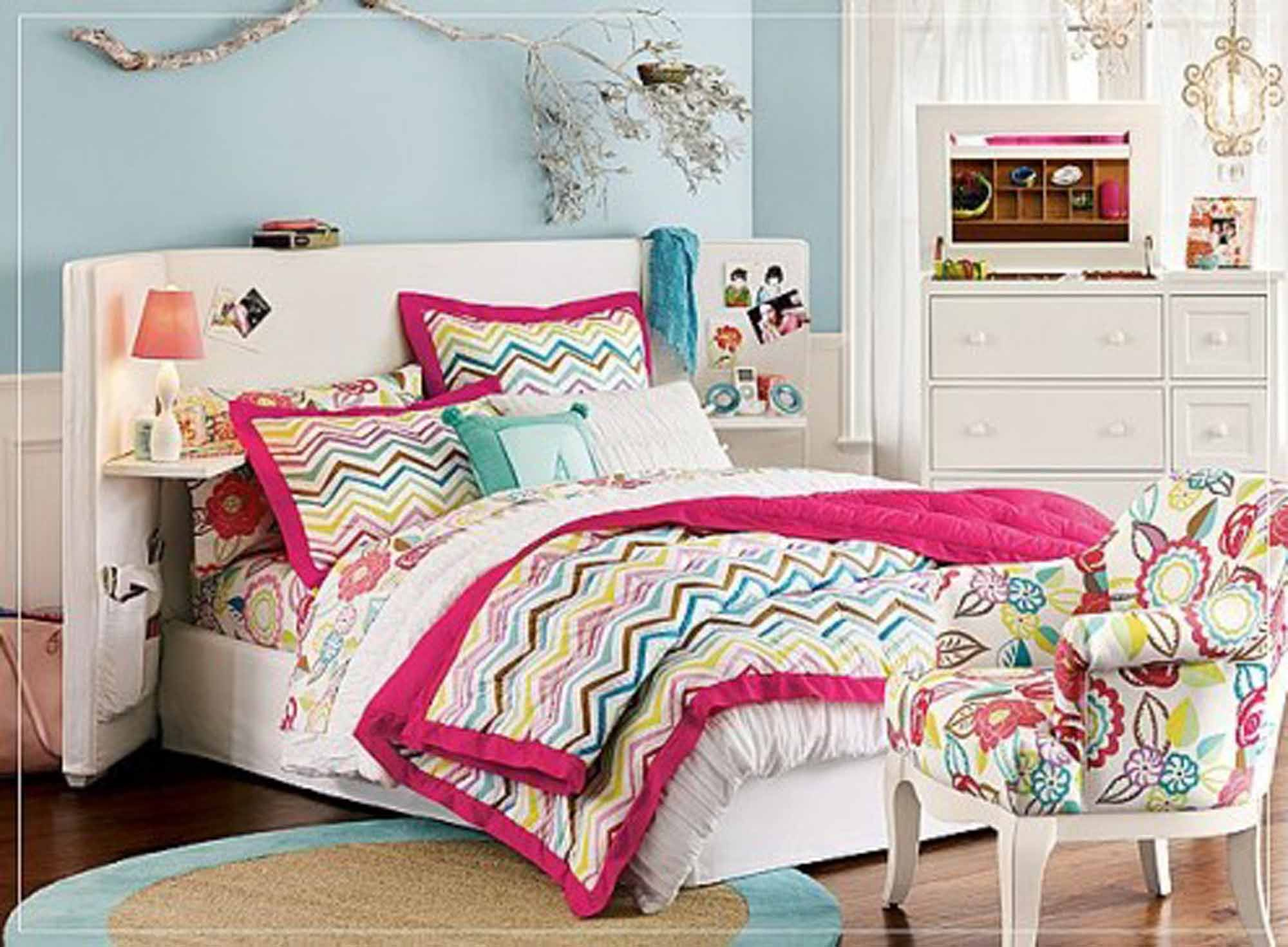 Beautiful Teenage Girl Bedroom Decorating Idea With Queen Bed Frame And Floating Shelves Colorful Chevron