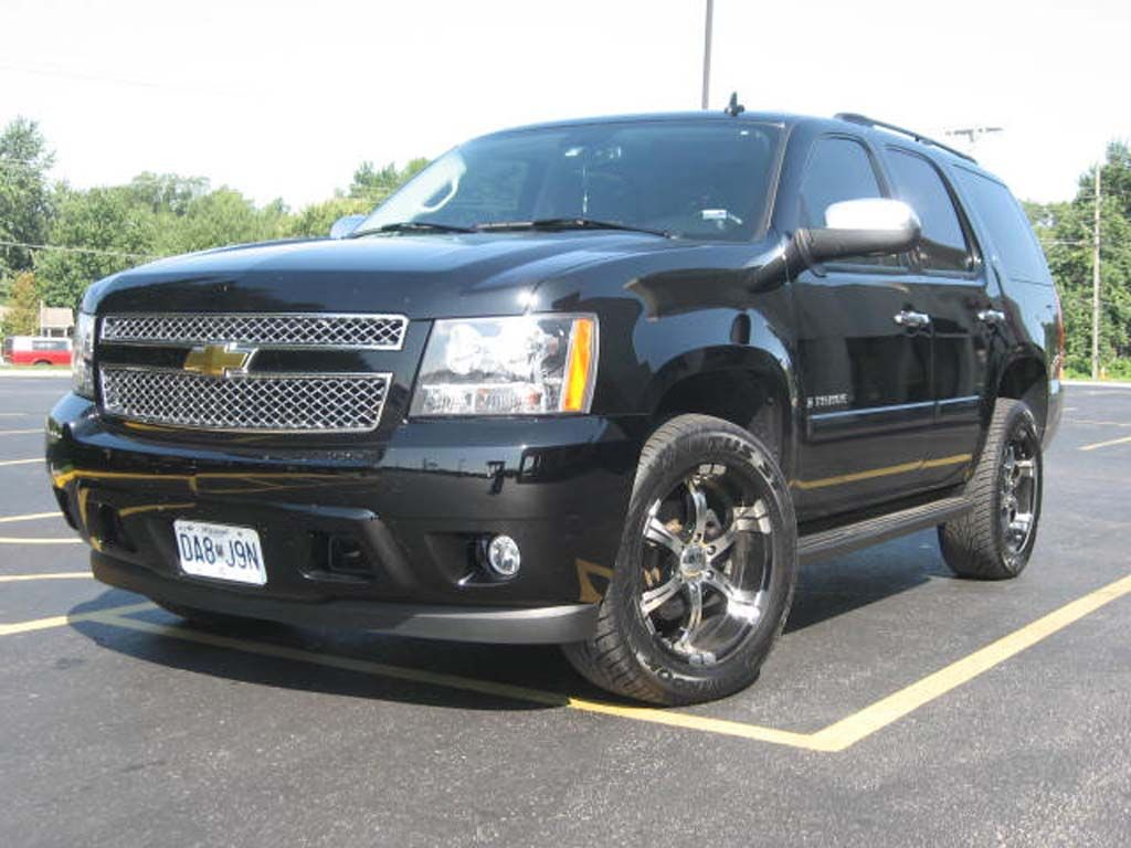 Nice Black Chevy Tahoe With 20 Rims Chevy Tahoe Chevy Suburban