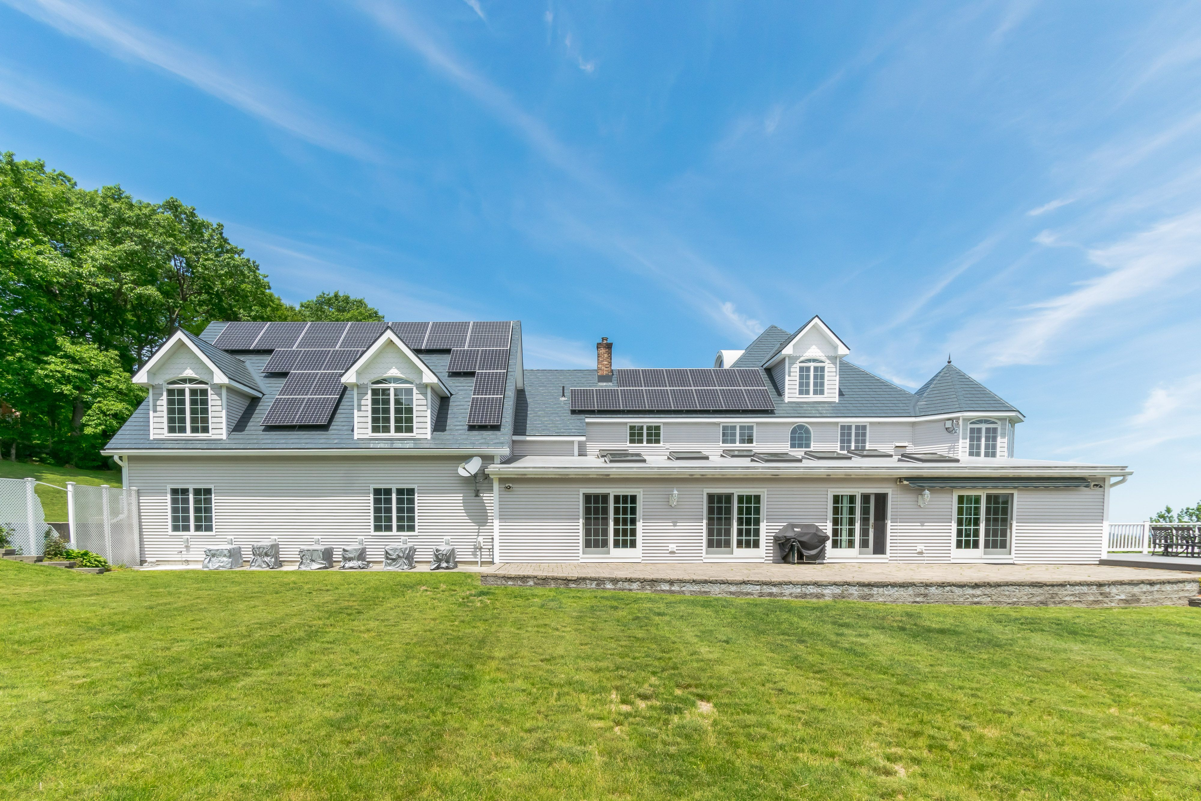 Princeton Ma Metal Roofing With Solar Panels Roofing Roofing Systems Aluminum Shingles