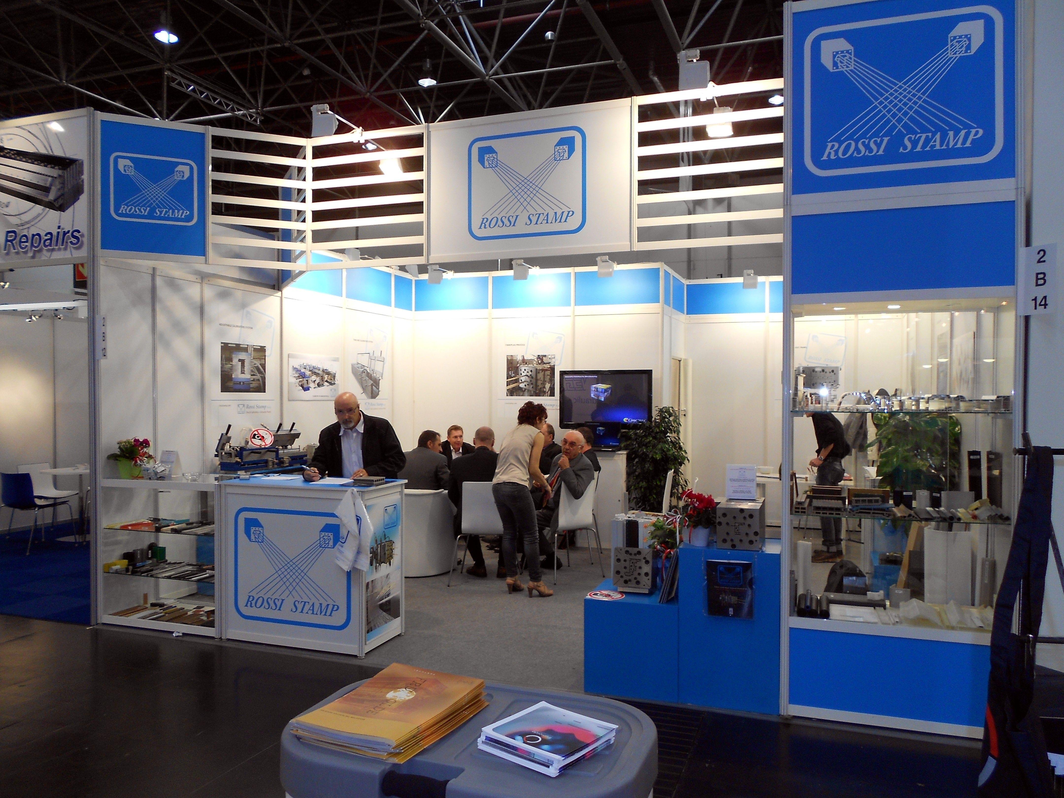 K - Messe Düsseldorf. ROSSI STAMP. Ricerca, analisi, promozione e comunicazione. Progettazione e realizzazione dell'allestimento dello stand. Photo by honegger