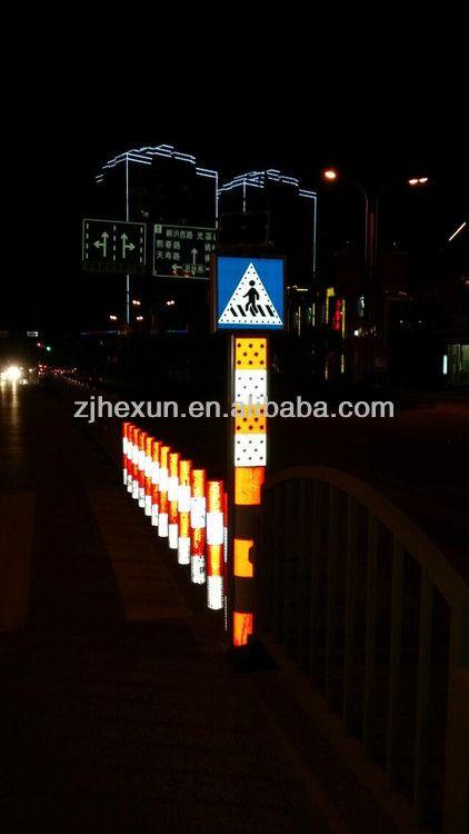 Solar Led Traffic Signal Light For Lane Divider Barrier Warning Signs 195 208 Traffic Signal Solar Led Traffic Light