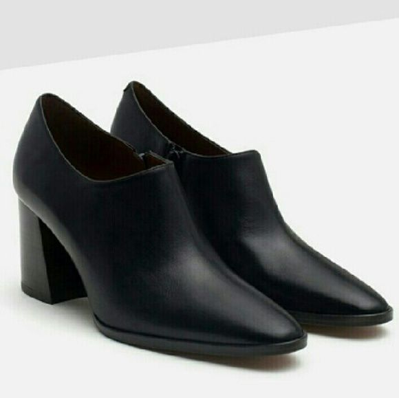 babb8ccb5c0 Zara black leather low ankle boots - size 9 Leather low profile boots with  side zip