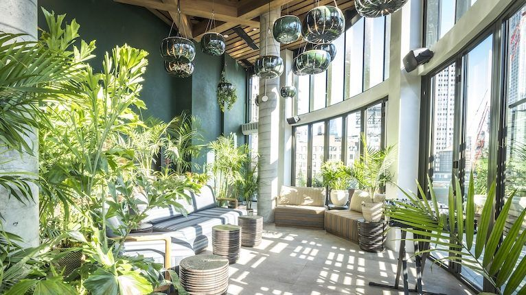 10 Rooftop Bars with Epic Views in New York City | Best ...
