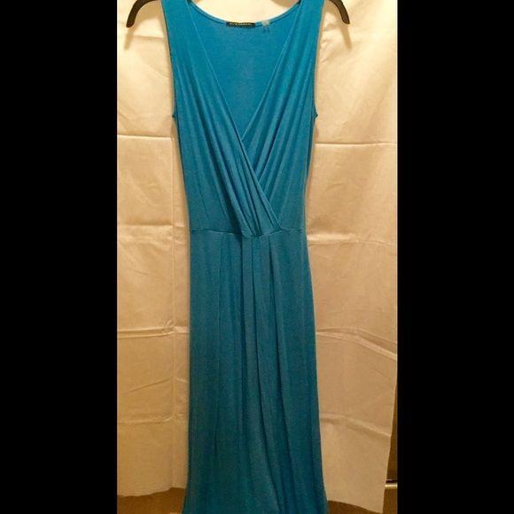 Elie Tahari Maxi Dress Sleeveless Cotton Maxi Dress. Size Small. Slight wear. Still in good shape Elie Tahari Dresses Maxi