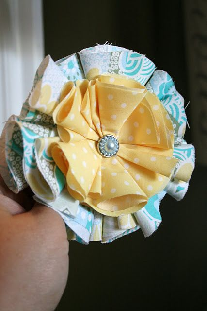 super easy fabric flowers