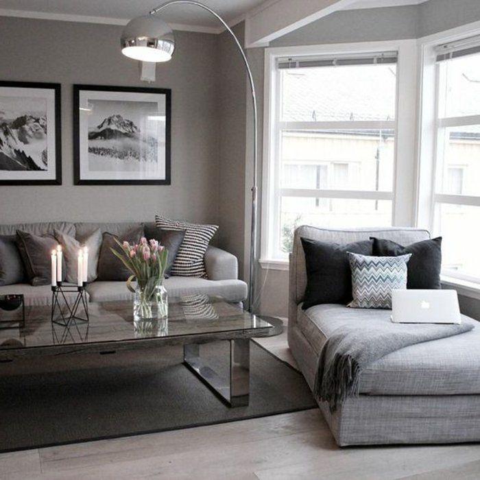 Wohnzimmer grau bequemes Zimmer mit Sessel und Sofa mit schönen - wandbild für wohnzimmer