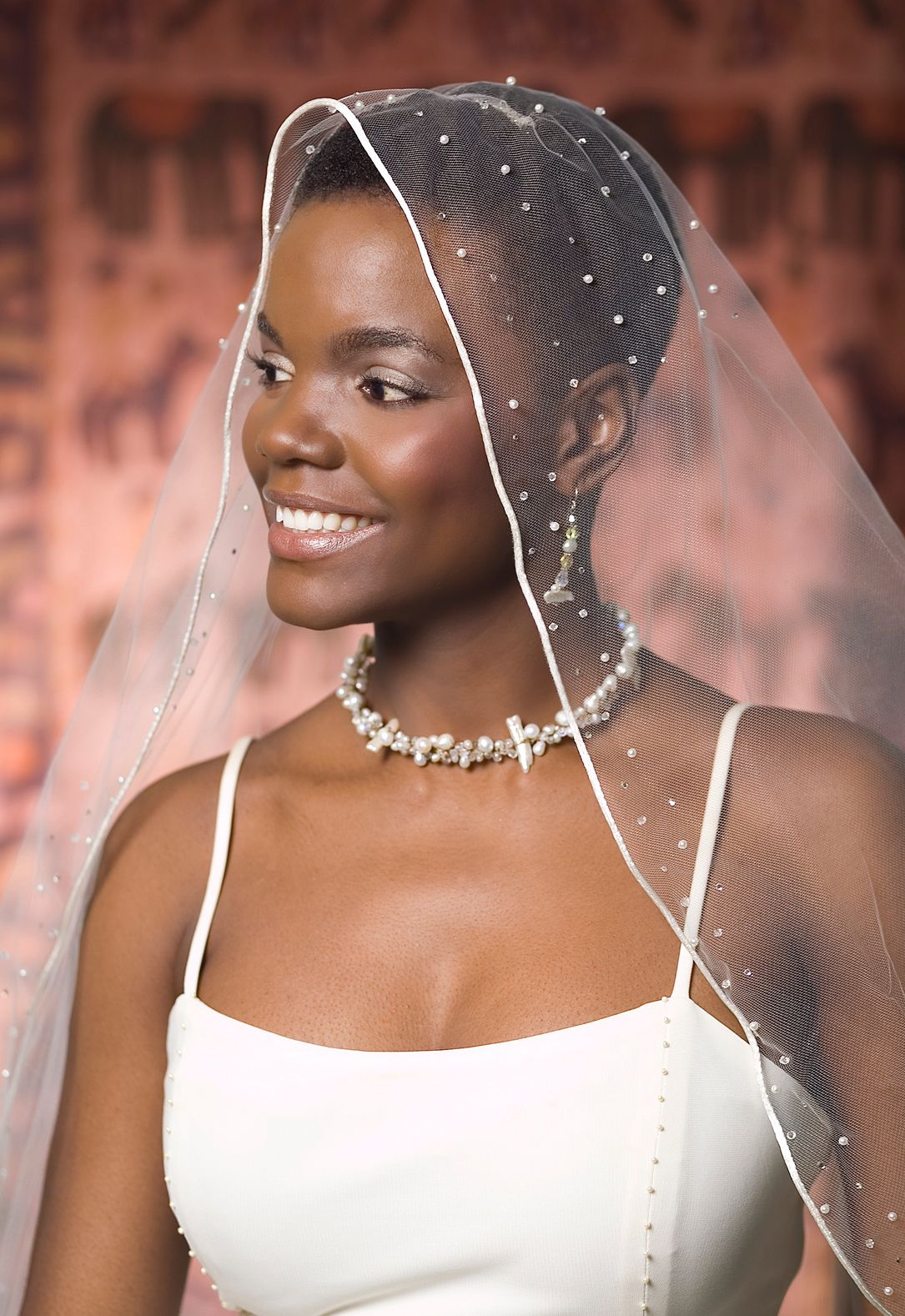 Beautiful natural bride, styled by Khamit Kinks (www.khamitkinks.com) via Afrobella.com. Tags: african american, natural wedding hairstyles, black wedding hairstyles