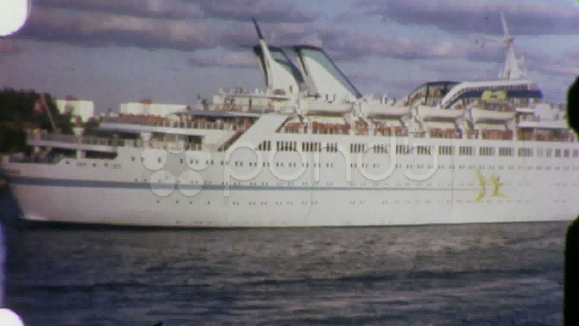 Pin On Cruise Ships