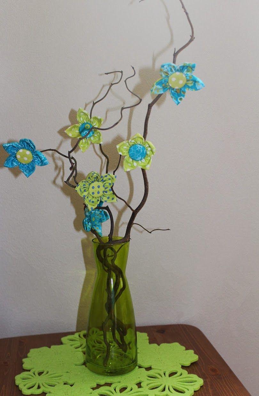 Silmukoita ja suklaakakkua: Kukkia kevääseen!