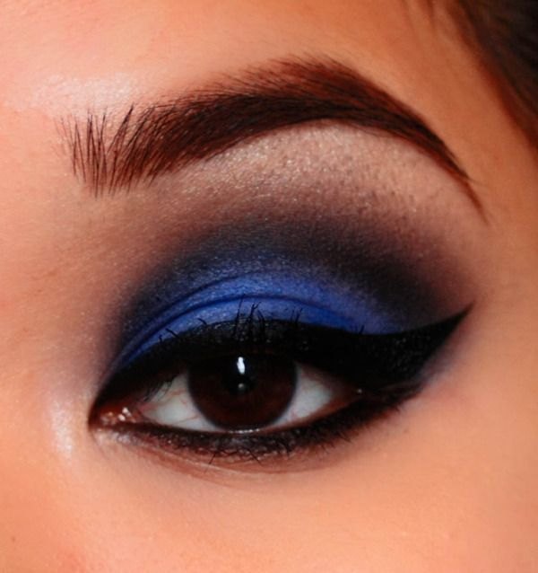 Dark Blue Smokey Eyes With Images Blue Smokey Eye Blue Makeup