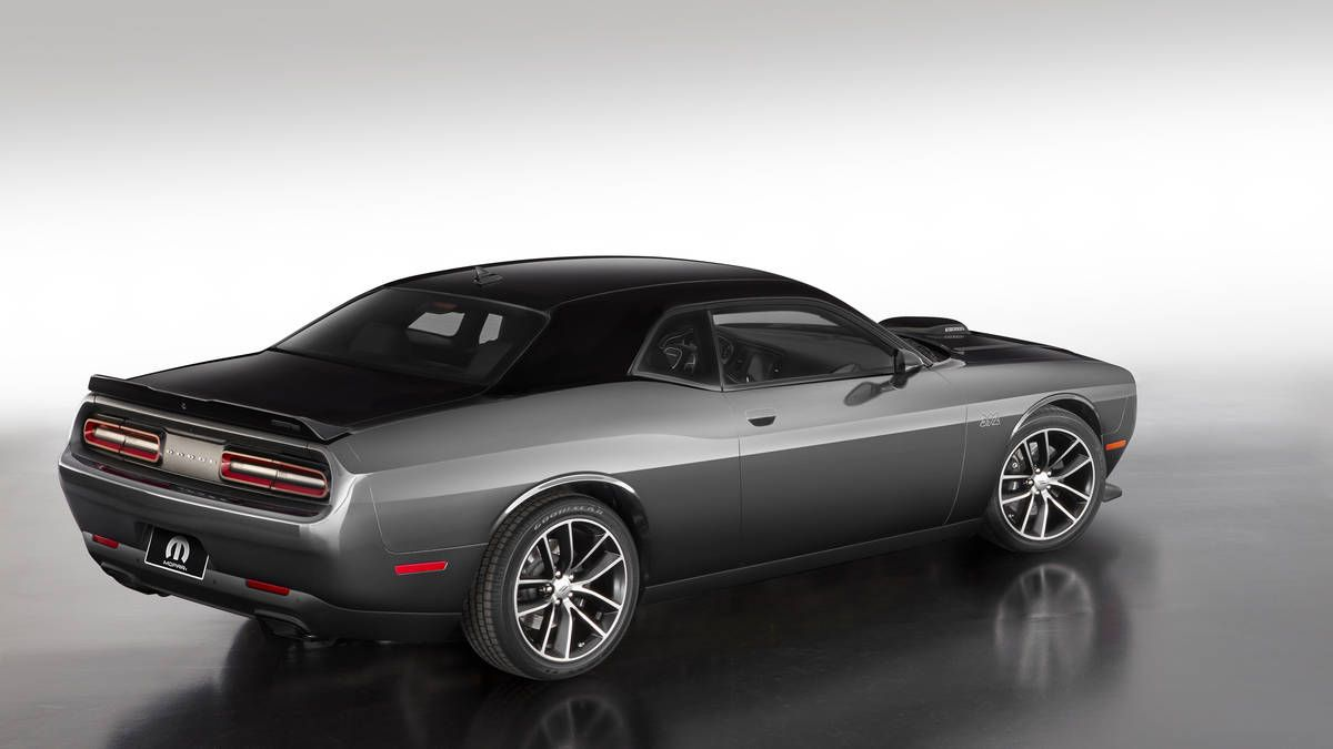 2017 dodge challenger celebrates 80 years of mopar at chicago photo 11