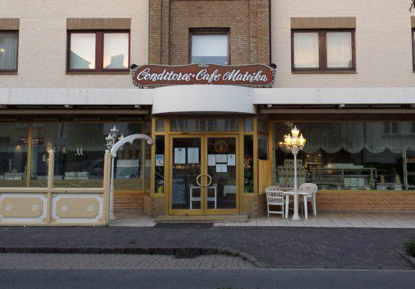 Wir Uber Uns Cafe Mateika Fruhstuck Auf Sylt A Vintage German Konditorei Traditional Fancy Cakes Reasonable Prices One O Cafe Kaffeehaus Konditorei