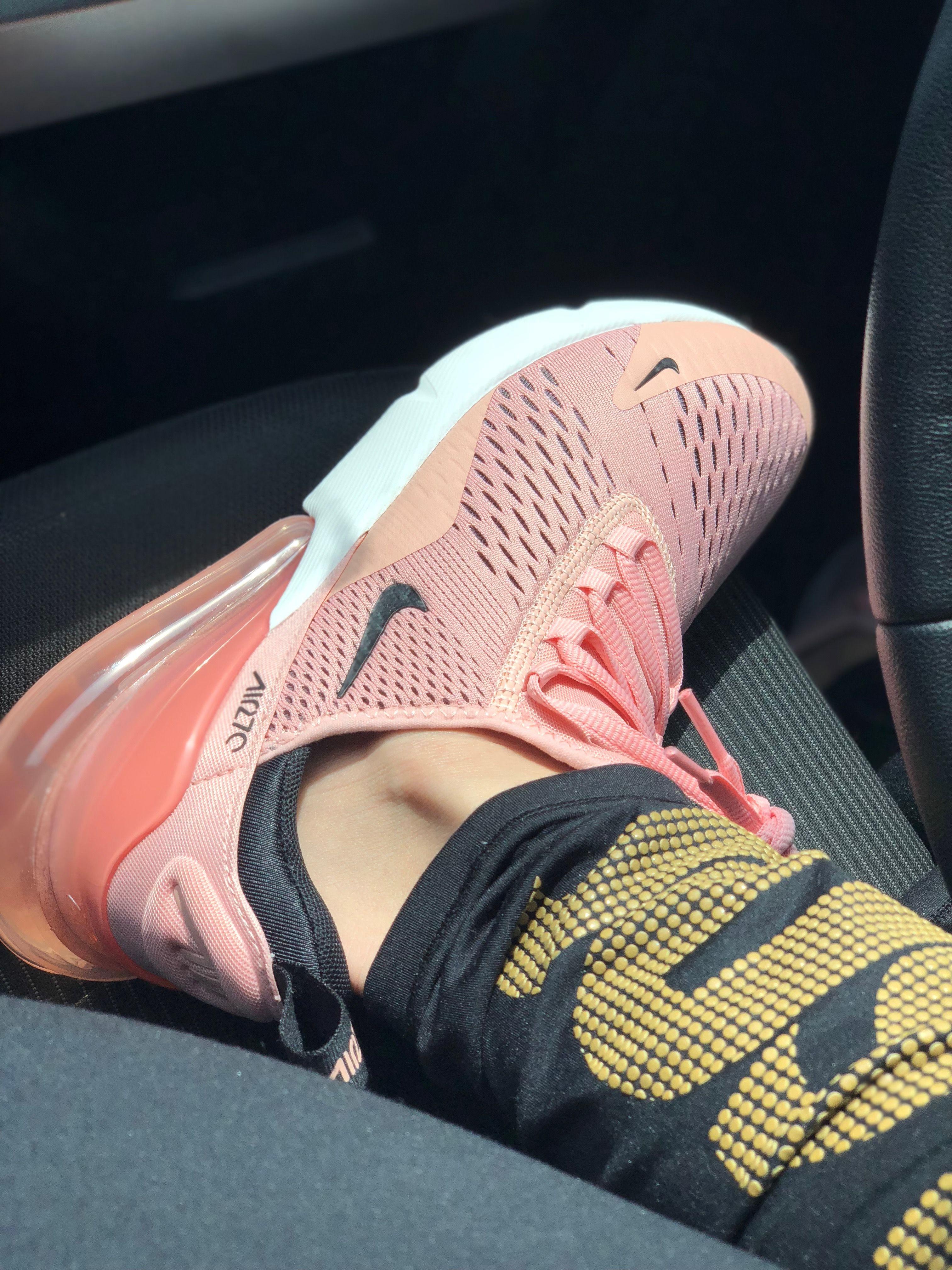 7c42814502a76 Nike Airmax 270 pink