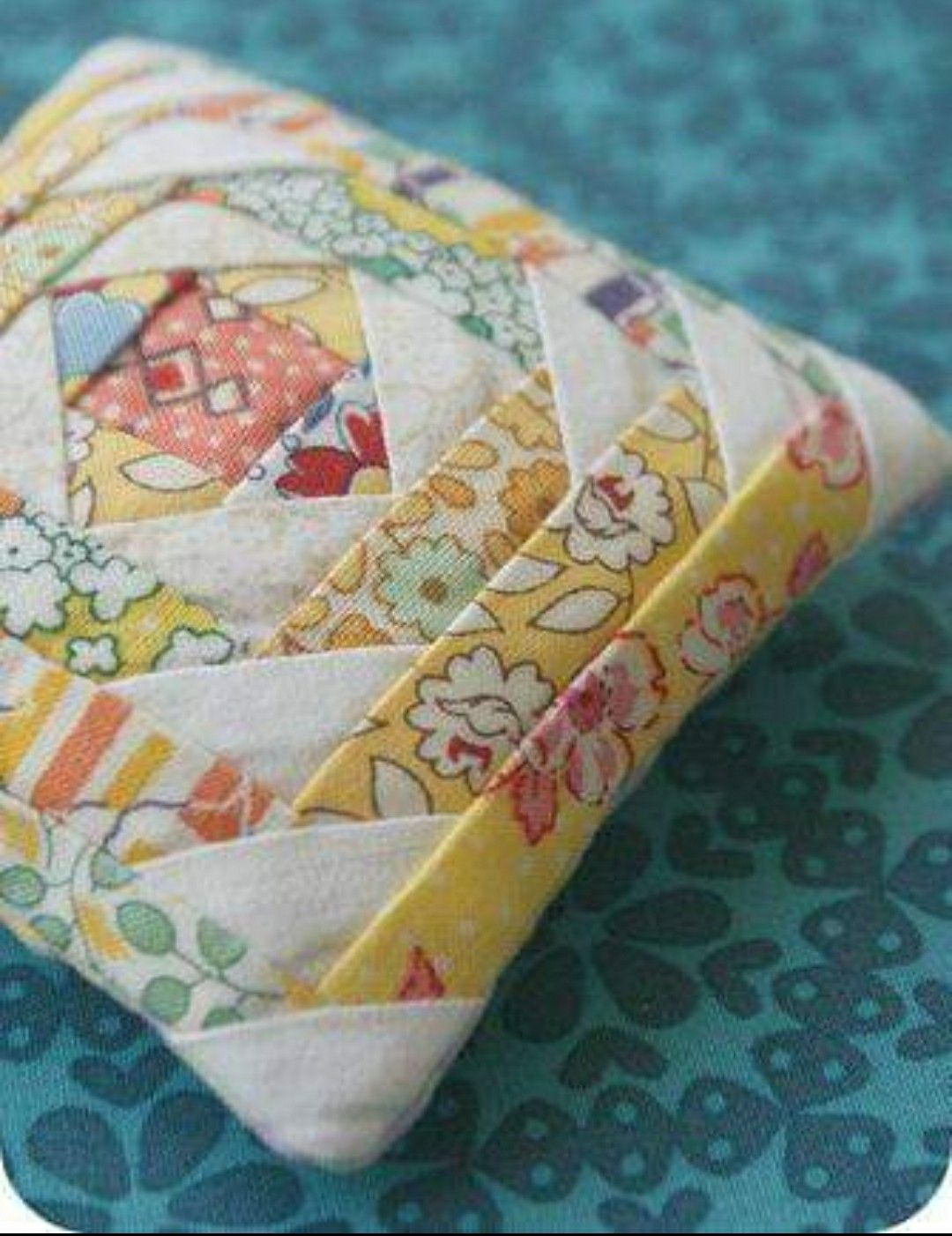 Magnetic Pincushion Pin Holder Sewing/Quilting Cherry