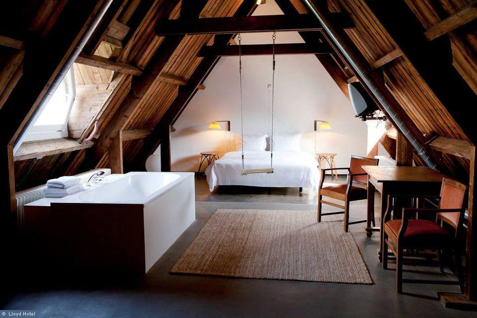 Unser Tipp für den Honeymoon Das Lloyd Hotel in Amsterdam - badewanne im schlafzimmer