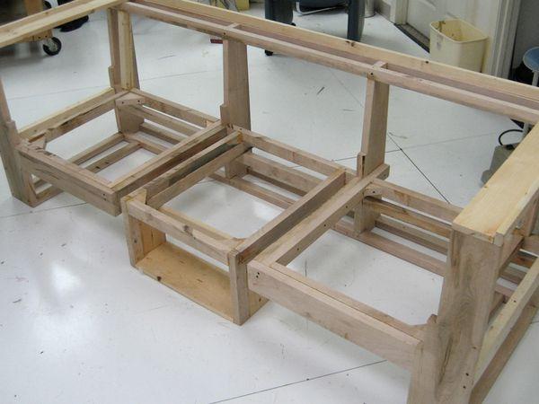 Incorpora una estructura auxiliar de madera que puede deslizarse ...