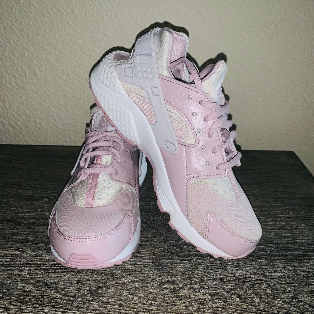 pink huaraches size 6 Shop Clothing