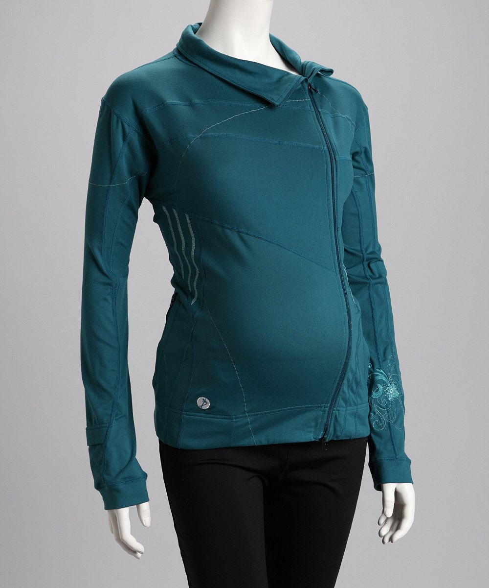 Nice looking zip up. Great for a light walk.