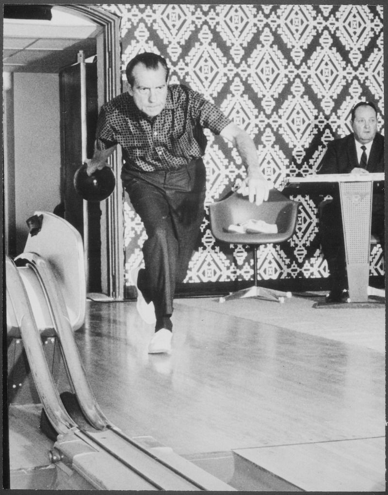 a one-lane bowling alley was installed in the white house under