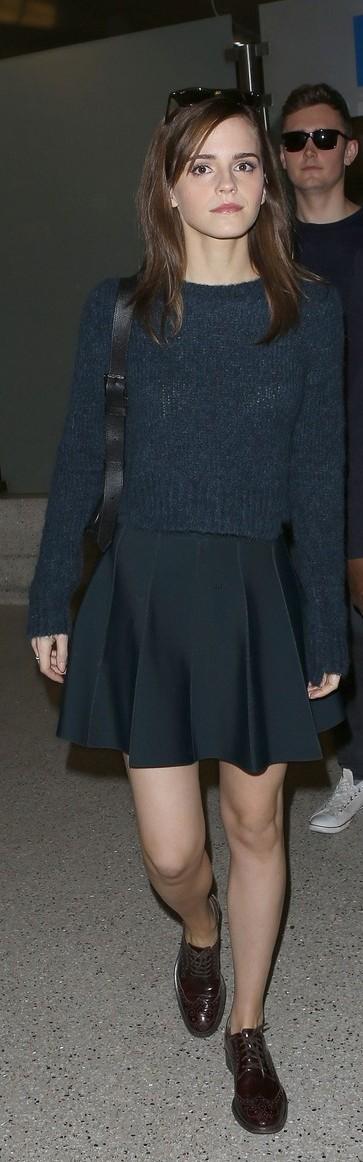 Emma Watson no aeroporto de LA (19/03/14)