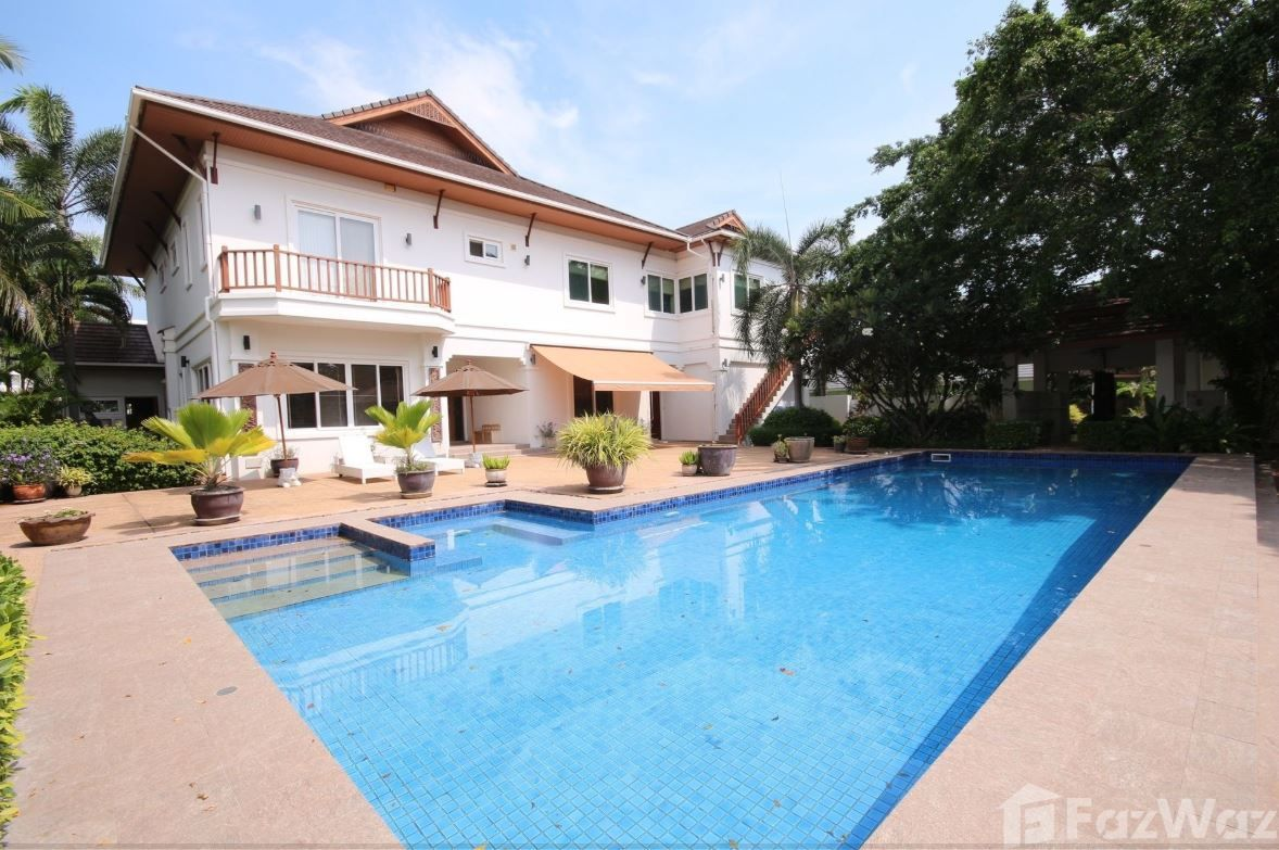 Pool Villa 5 Bedroom Villa for sale in Hua Hin City,