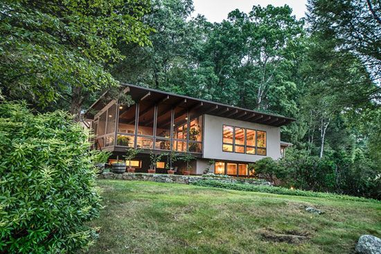1950s Midcentury Modern Property In Pound Ridge, New York, USA