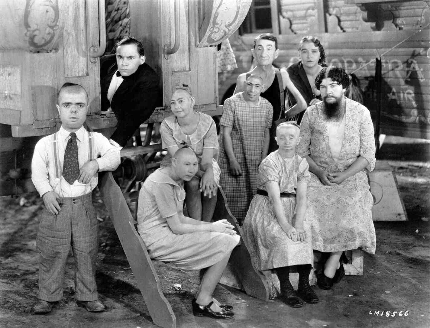 freaks 1932 ile ilgili görsel sonucu
