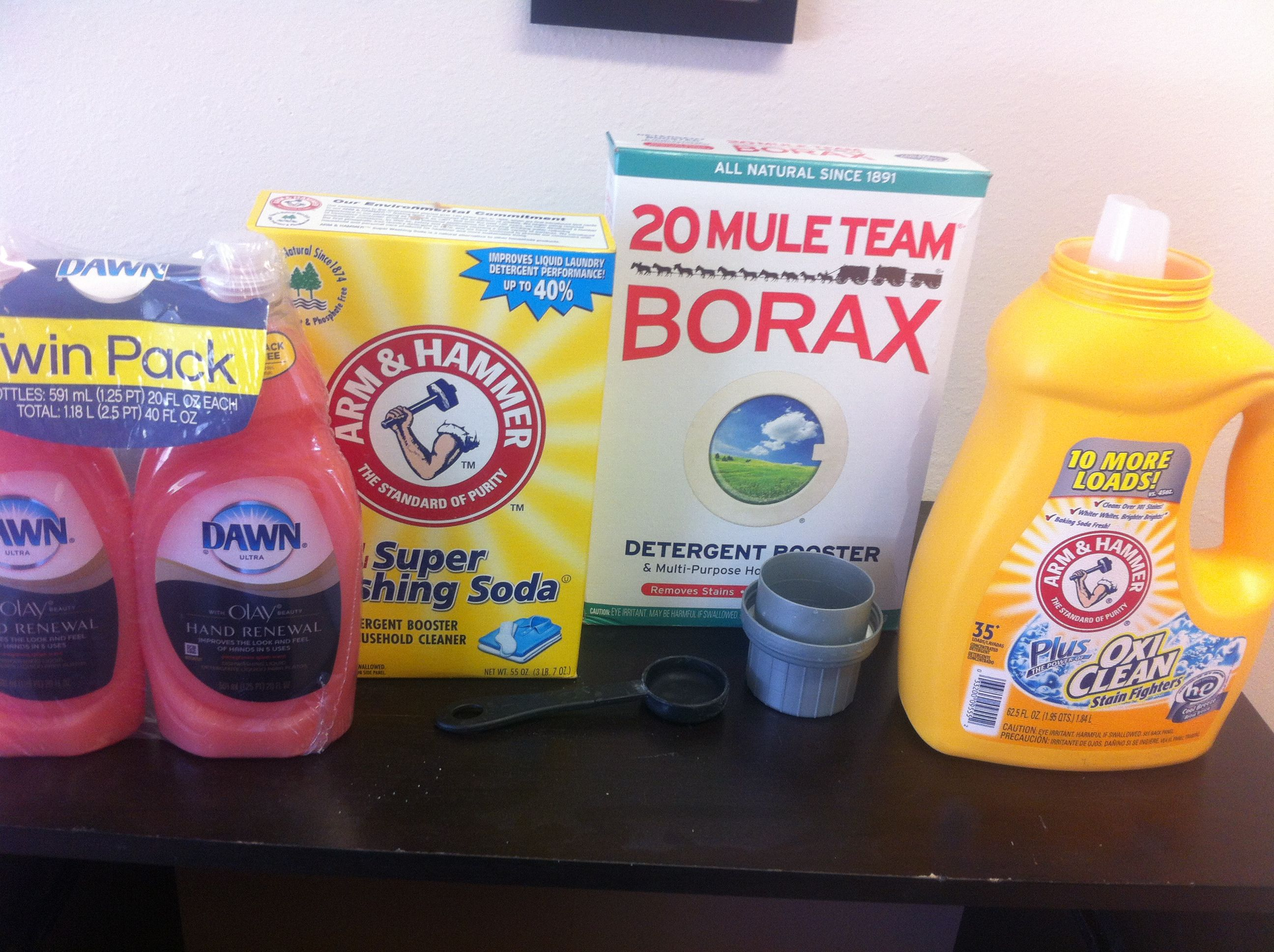 Homemade Laundry Detergent 3tbs Each Of Washing Soda Borax And Your Favorite Sent Of Dawn Dish S Homemade Laundry Detergent Washing Soda Laundry Detergent