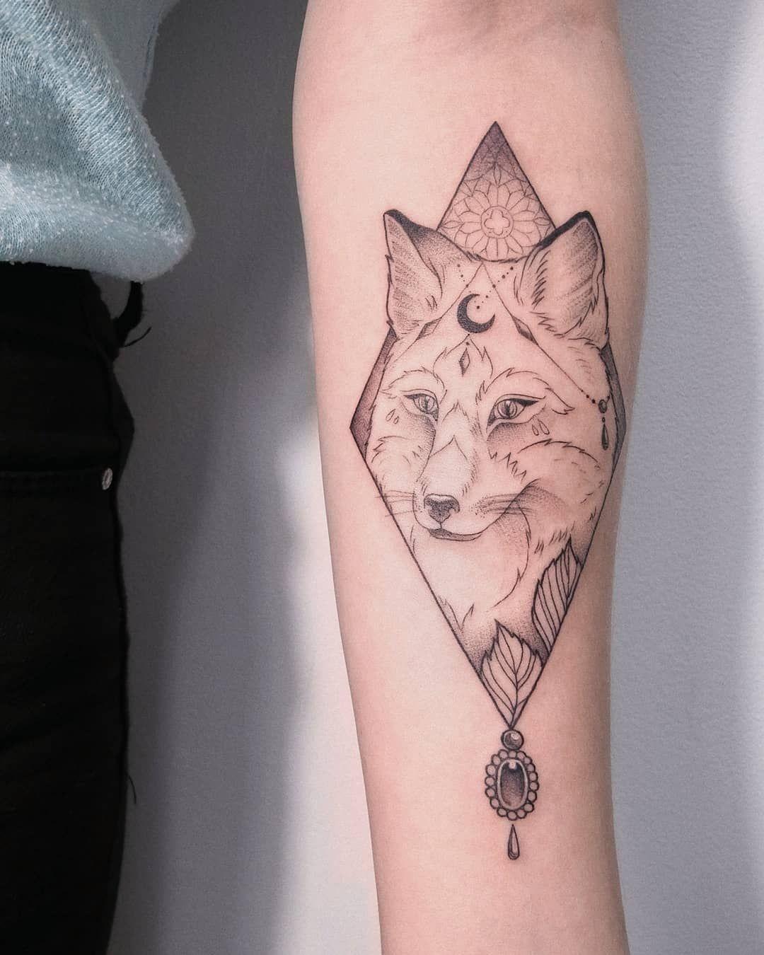 Fox Tattoo By Irene Bogachuk Tattoos Fox Tattoo Geometric Tattoo