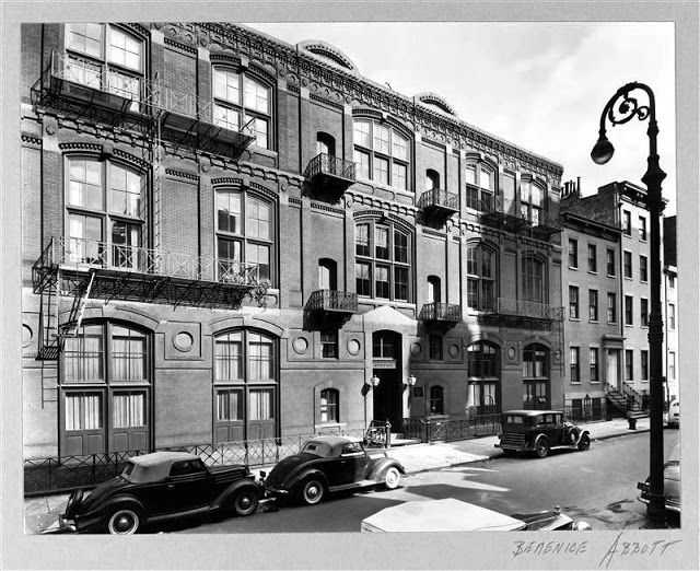 1858 10th Street Studios Bldg. -- No. 51 West 10th Street On November 10, 1938 Berenice Abbott captured the building -- photograph from the collection of the Museum of the City of New York