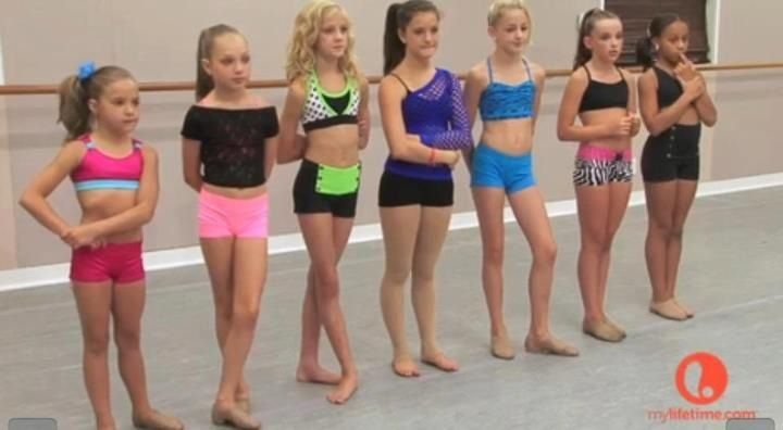 Kenzie Maddie Paige Brooke Chloe Kendall And Nia At Pyramid Dance Wear Solutions Dance Moms Dance Moms Girls