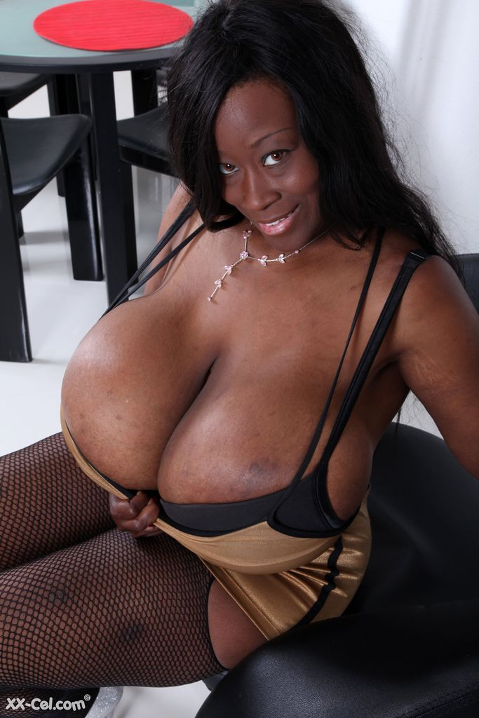 Black Lady Takes Shower And Shows Her Incredibly Huge Boobs