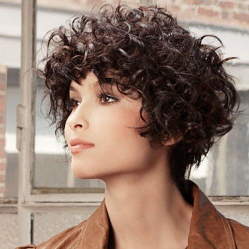 Short hairstyles for round faces and extreme curly Cool