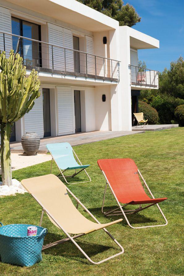 Bringen Sie Farbe In Ihren Garten Mit Den Frohlichen Liegestuhlen Von Lafuma Gartenmobel Aussenmobel Hochwertige Gartenmobel