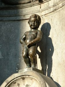 I loathe this stature, which unfortunately is a world-famous symbol of Bruxelles.  If the Danes can behead their lovely mermaid, can't someone kidnap this vulgar little boy? Maneken Piss, Bruxelles, Belgique