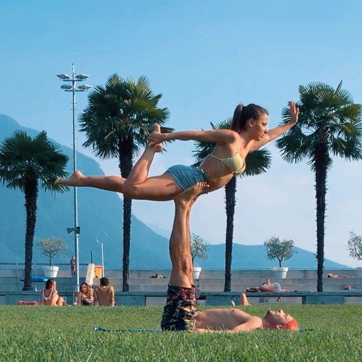 Acroyoga 🧘🏽♀️🌴 . . First lesson . . #yoga #acroyoga #acobatic #lesson #fitness #fitnessgirl #postur...